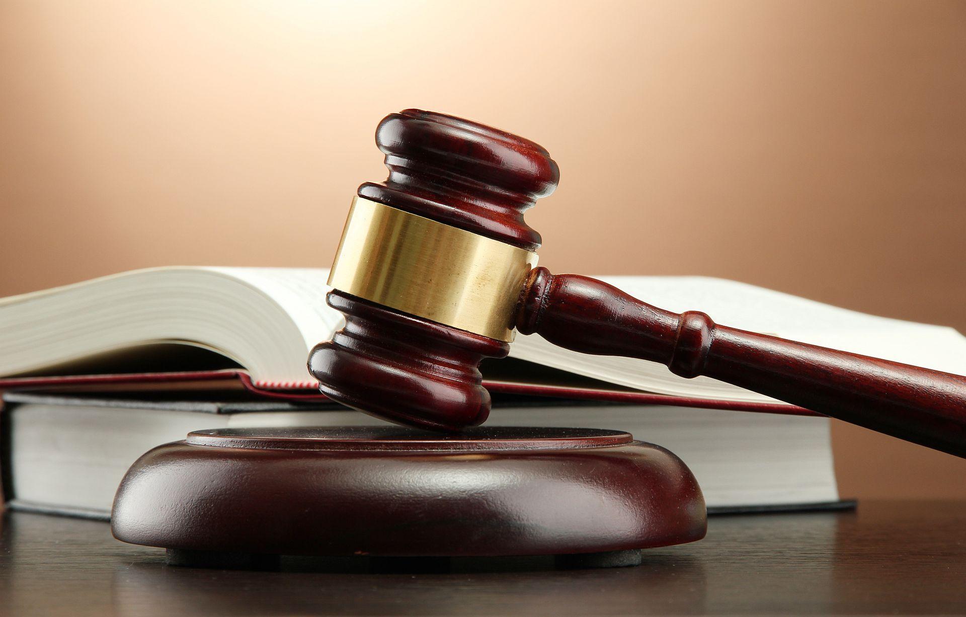 Legal-gavel-books-Image